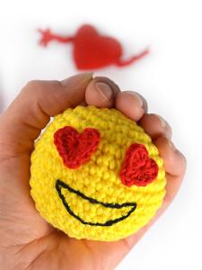emoji_heart_stressboll_utv